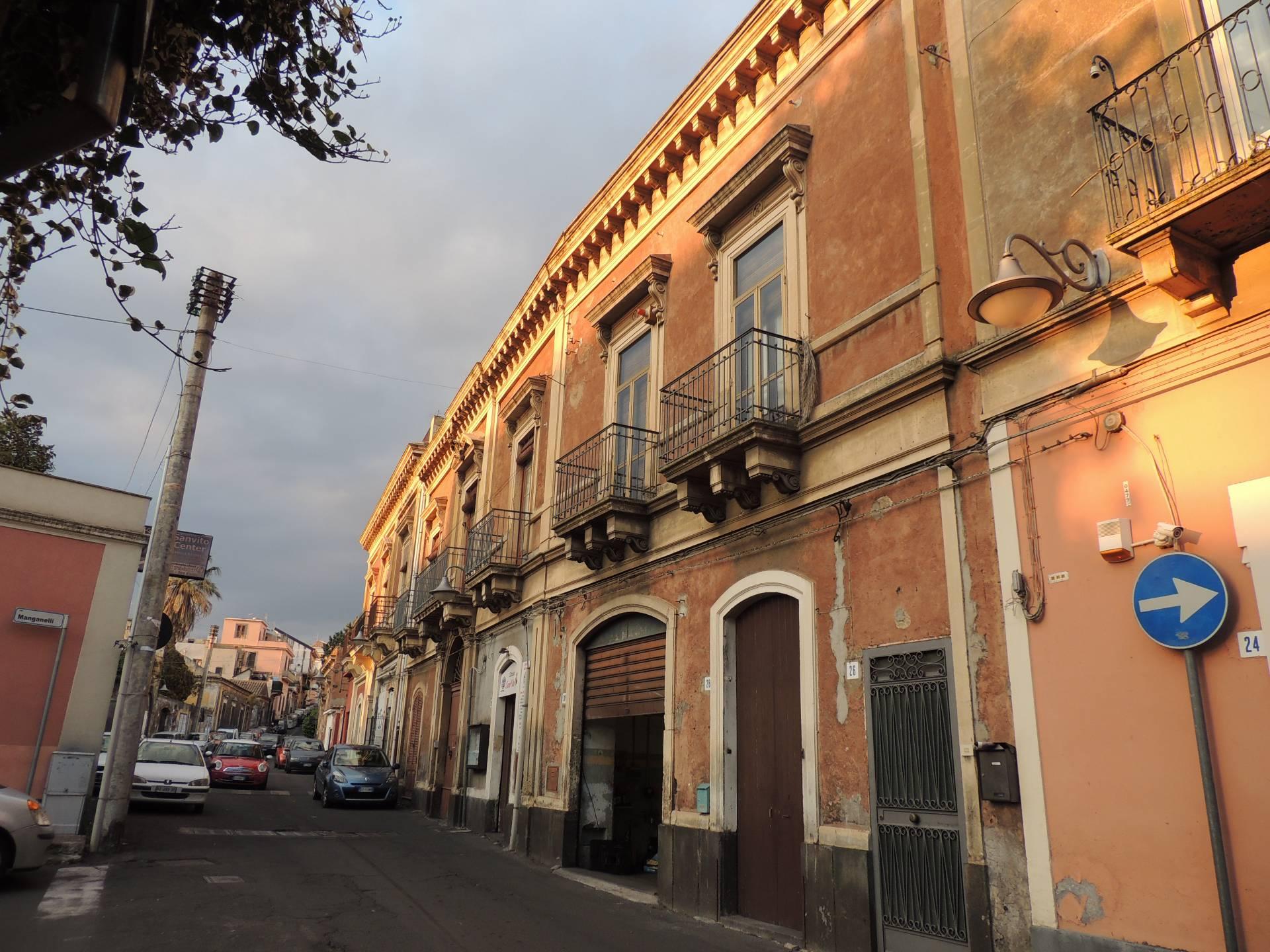 Soluzione Indipendente in vendita a Mascalucia, 7 locali, zona Località: CentroStorico(ViaEtnea/ViaRoma...., prezzo € 185.000 | CambioCasa.it