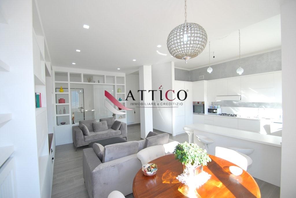 Appartamento, 100 Mq, Vendita - Avellino (Avellino)