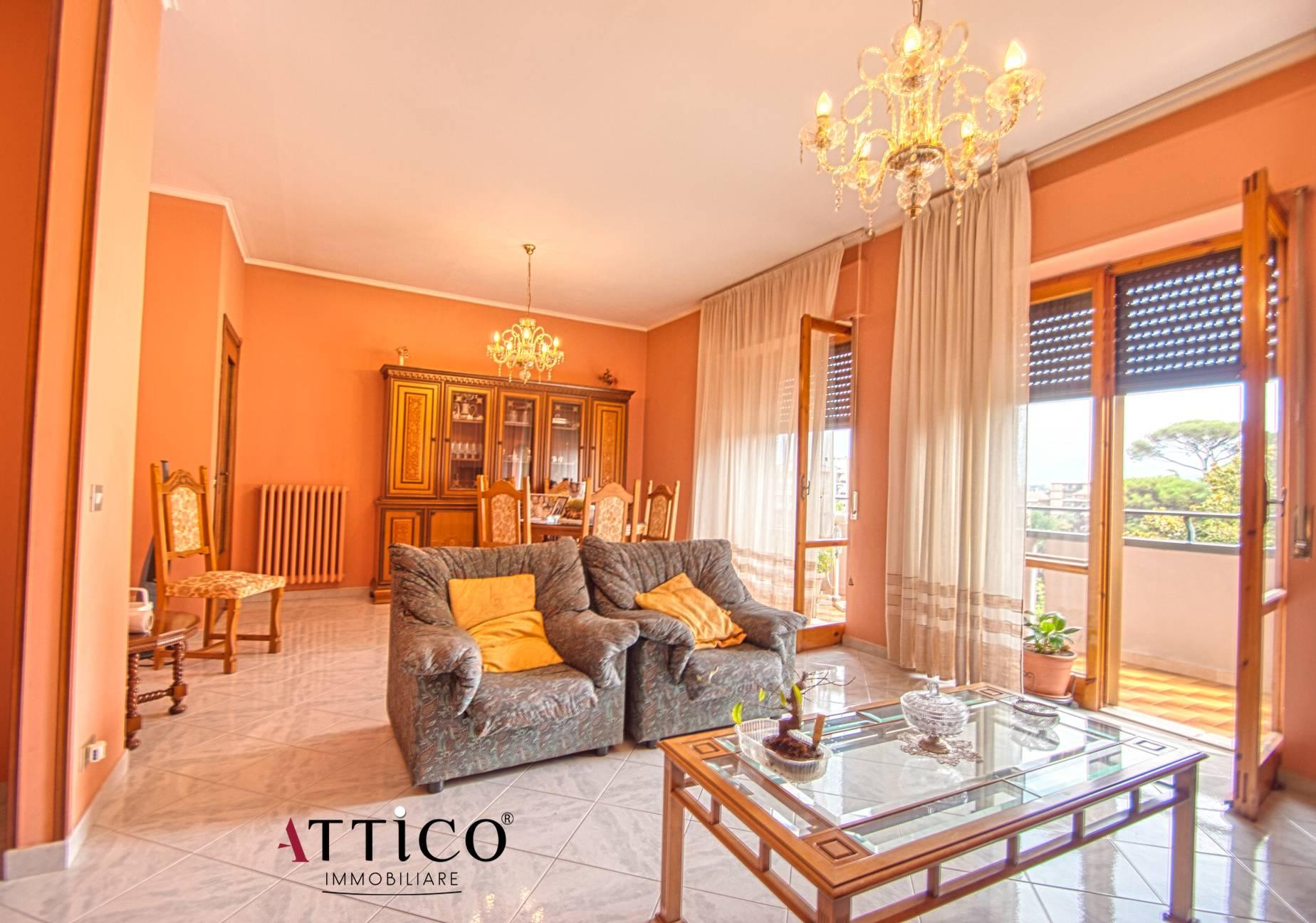 Appartamento in vendita a Avellino, 5 locali, prezzo € 195.000 | CambioCasa.it