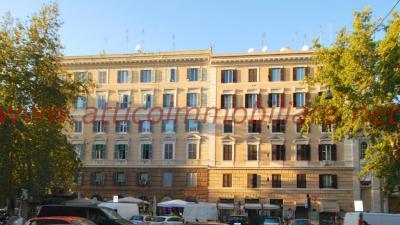 4 VANI in Vendita a Roma