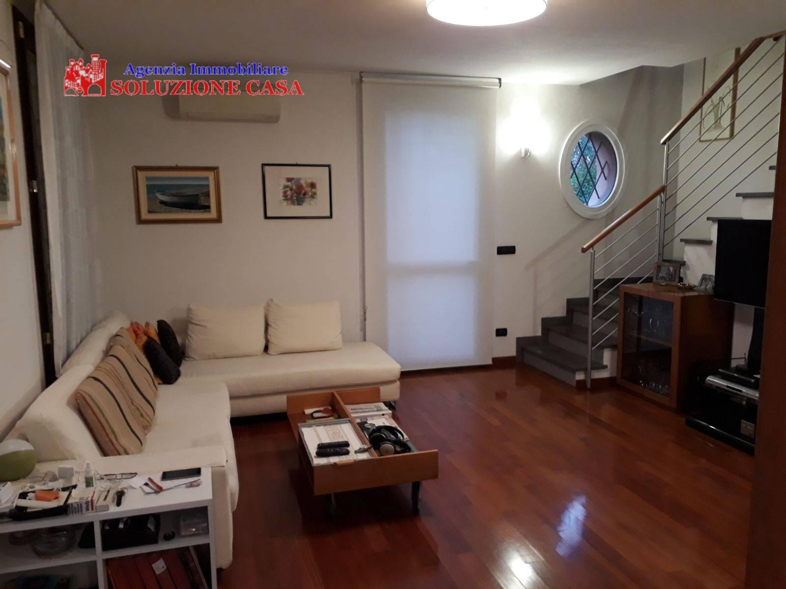 Villa a Schiera in affitto a Argelato, 7 locali, prezzo € 1.200 | CambioCasa.it