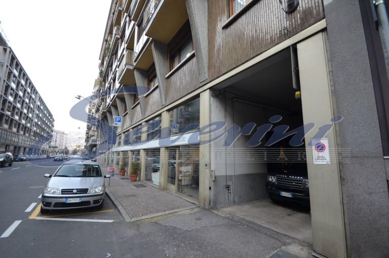 Negozio / Locale in affitto a Como, 9999 locali, zona Località: CentroCitt?, prezzo € 5.000 | CambioCasa.it