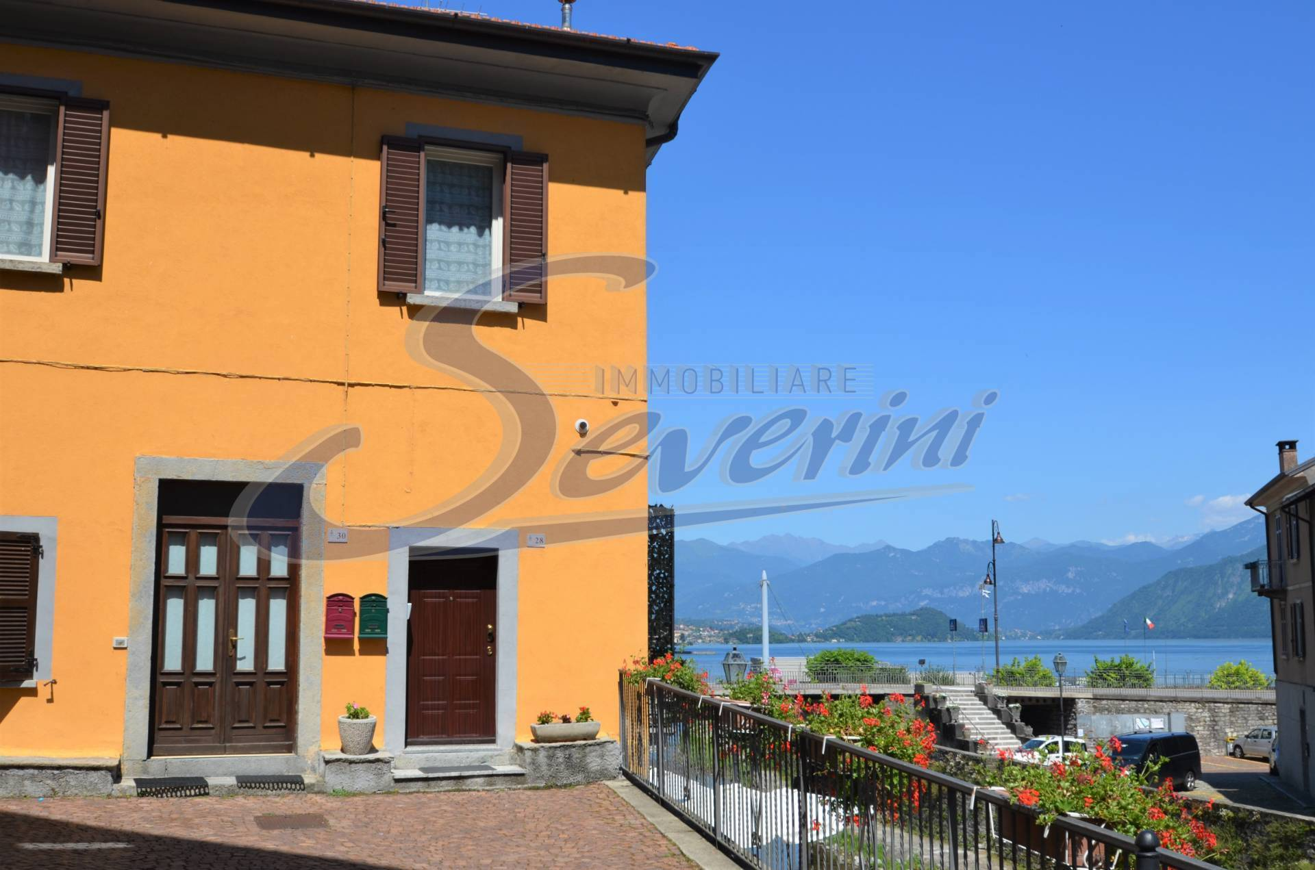 Appartamento in affitto a Argegno, 4 locali, prezzo € 800   CambioCasa.it