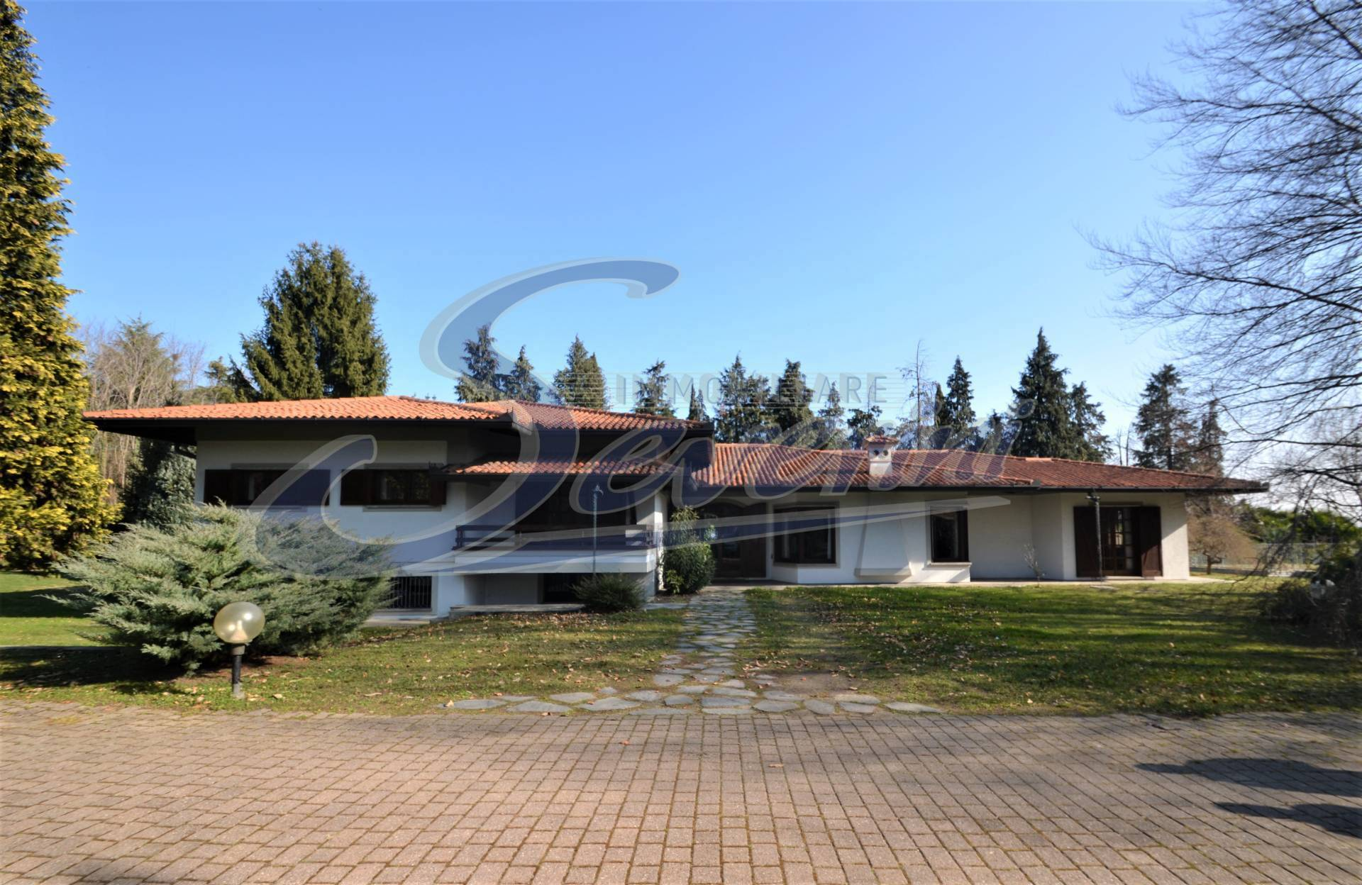 Villa in Vendita a Villa Guardia