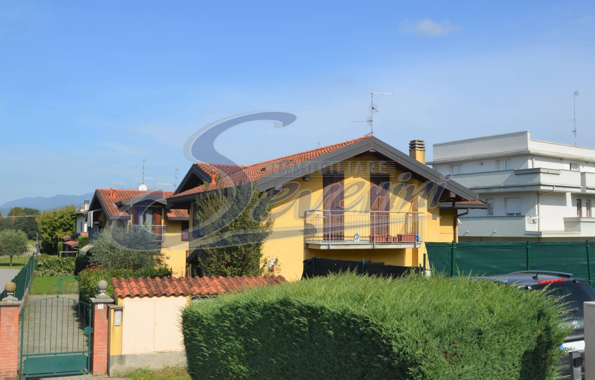 Villa in vendita a Casnate Con Bernate (CO)