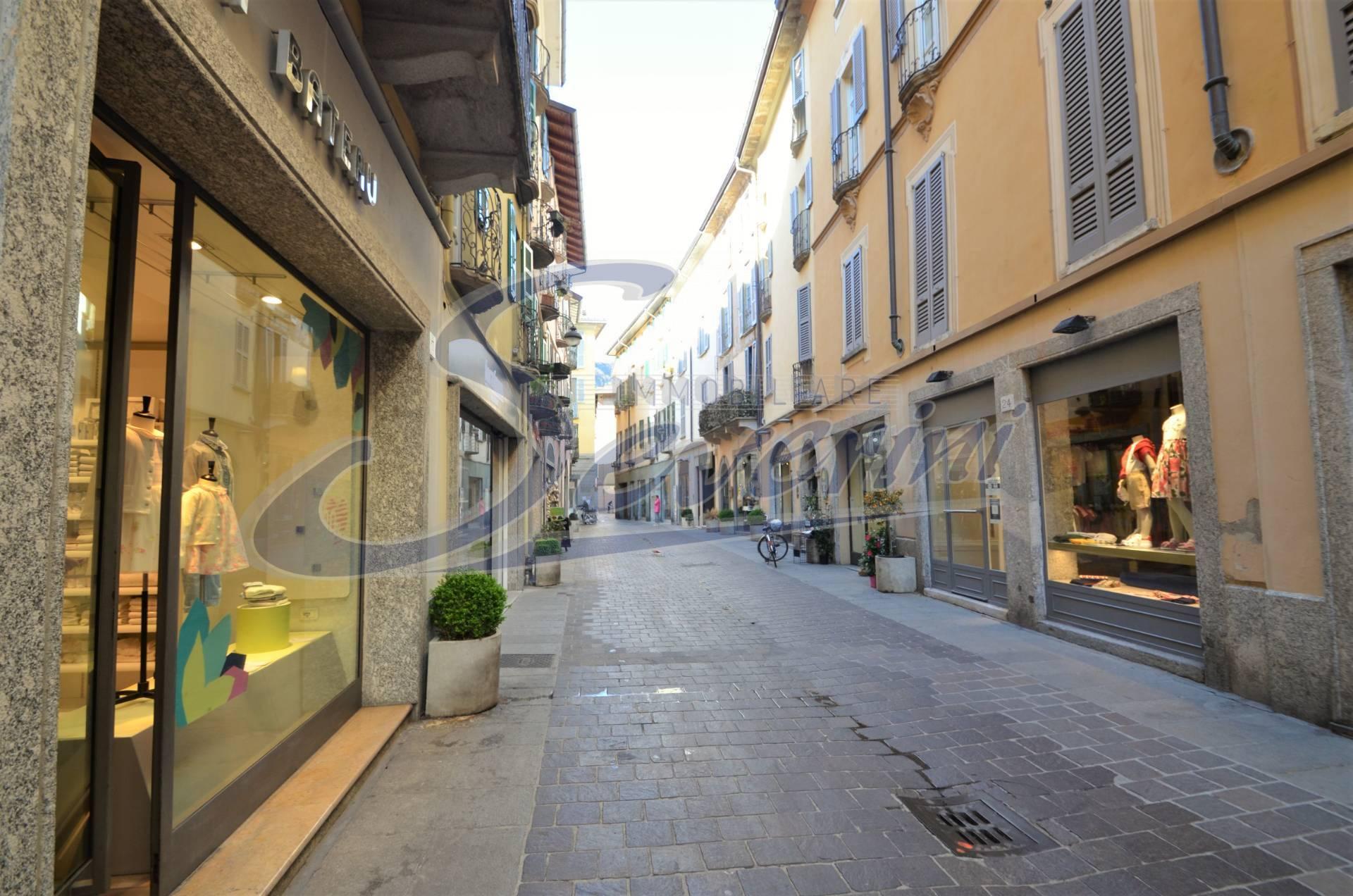 Negozio / Locale in affitto a Como, 9999 locali, zona Località: CentroStorico, prezzo € 5.000 | CambioCasa.it