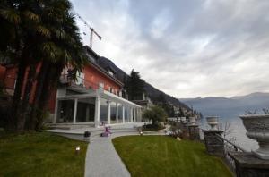 Villa for Sale in Brienno