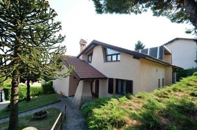Villa in Vendita a Lurago d'Erba