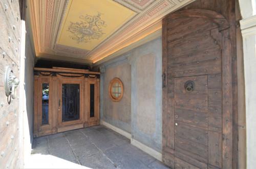 Appartamento in palazzo d'epoca in Locazione a Como