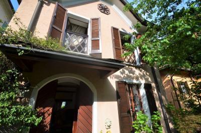 Villa in Locazione a Como