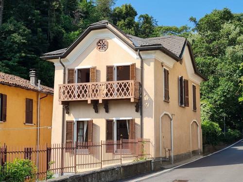 Villa for Lease in Como