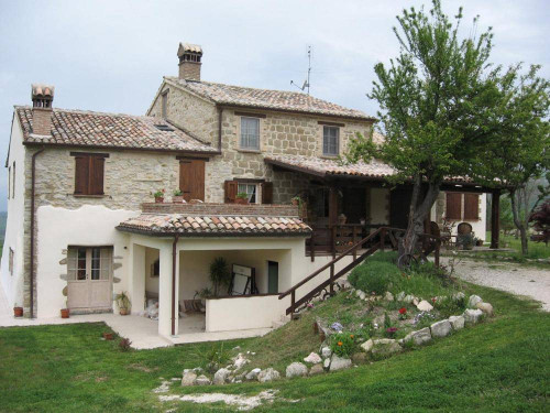 Farmhouse for Sale in Pergola