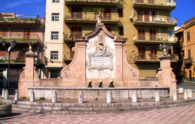 Palazzo / Stabile in vendita a Misilmeri, 7 locali, prezzo € 120.000 | Cambio Casa.it