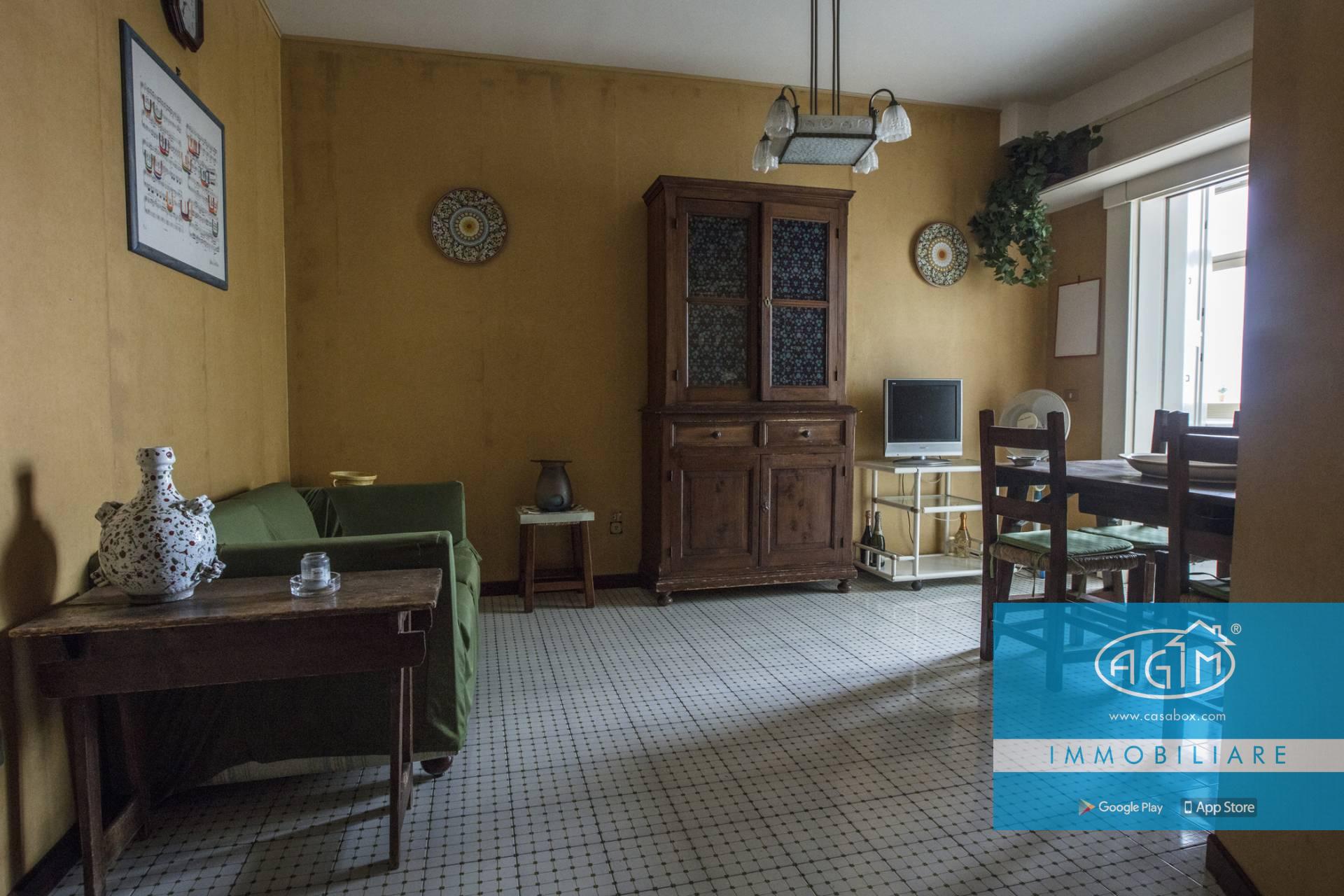 Palermo zona notarbartolo for Affitto bilocale palermo arredato