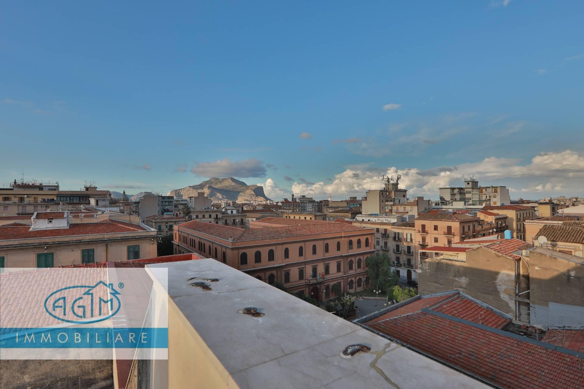Attico / Mansarda in vendita a Palermo, 8 locali, prezzo € 200.000 | PortaleAgenzieImmobiliari.it