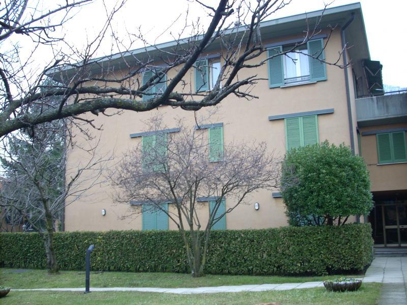 Appartamento in affitto a Canzo, 2 locali, prezzo € 400 | Cambio Casa.it