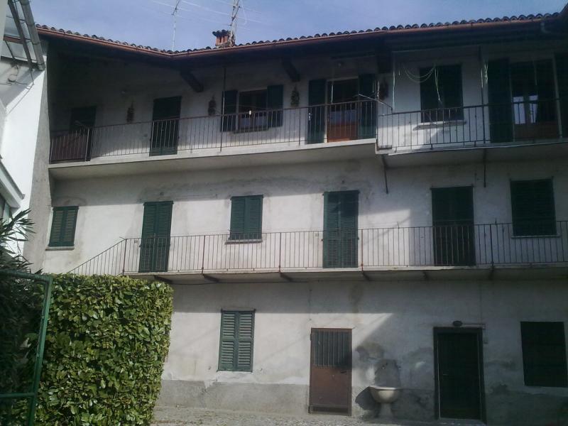 Appartamento in vendita a Longone al Segrino, 3 locali, prezzo € 60.000 | CambioCasa.it
