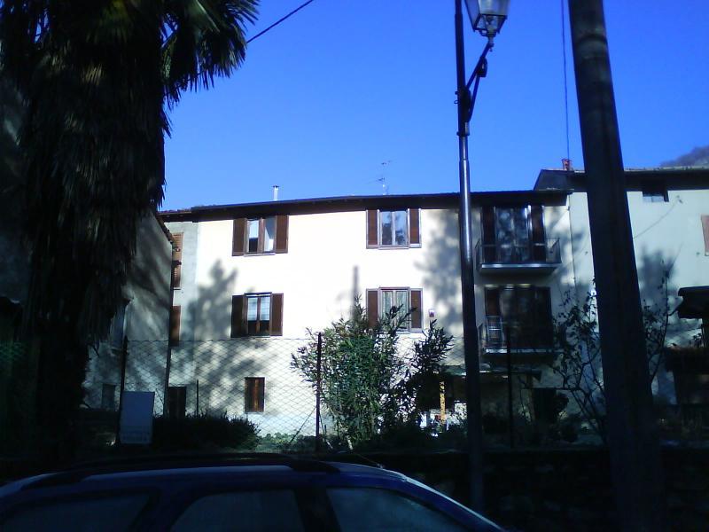Appartamento in affitto a Canzo, 3 locali, prezzo € 95.000 | CambioCasa.it