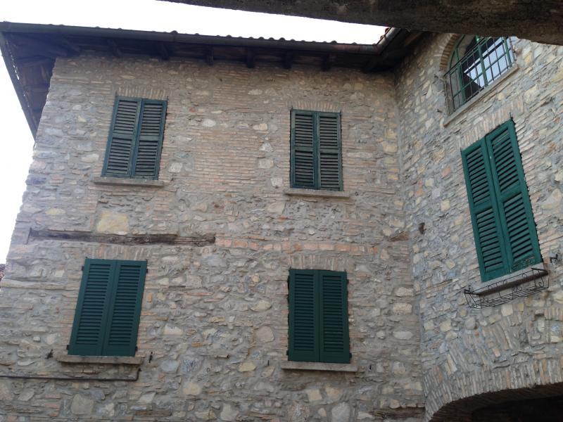 Appartamento in vendita a Castelmarte, 4 locali, prezzo € 70.000 | Cambio Casa.it