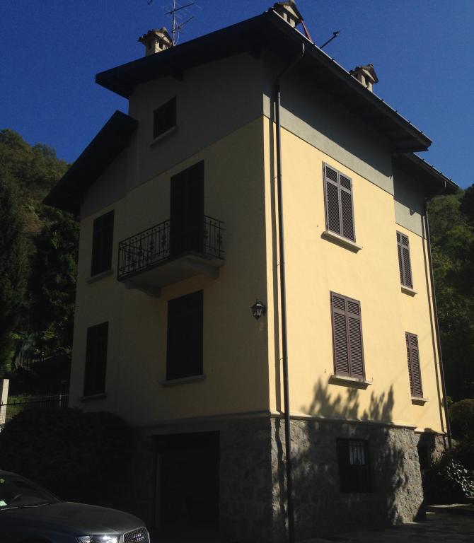 Villa in vendita a Barni, 10 locali, prezzo € 280.000 | Cambio Casa.it