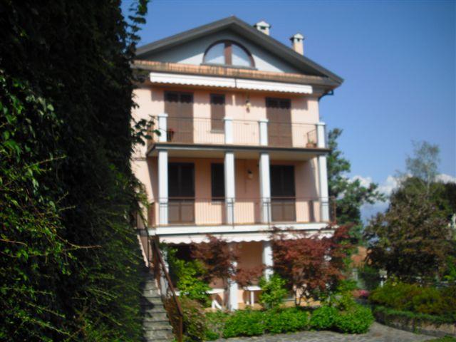 Appartamento in vendita a Oliveto Lario, 3 locali, prezzo € 295.000 | Cambio Casa.it