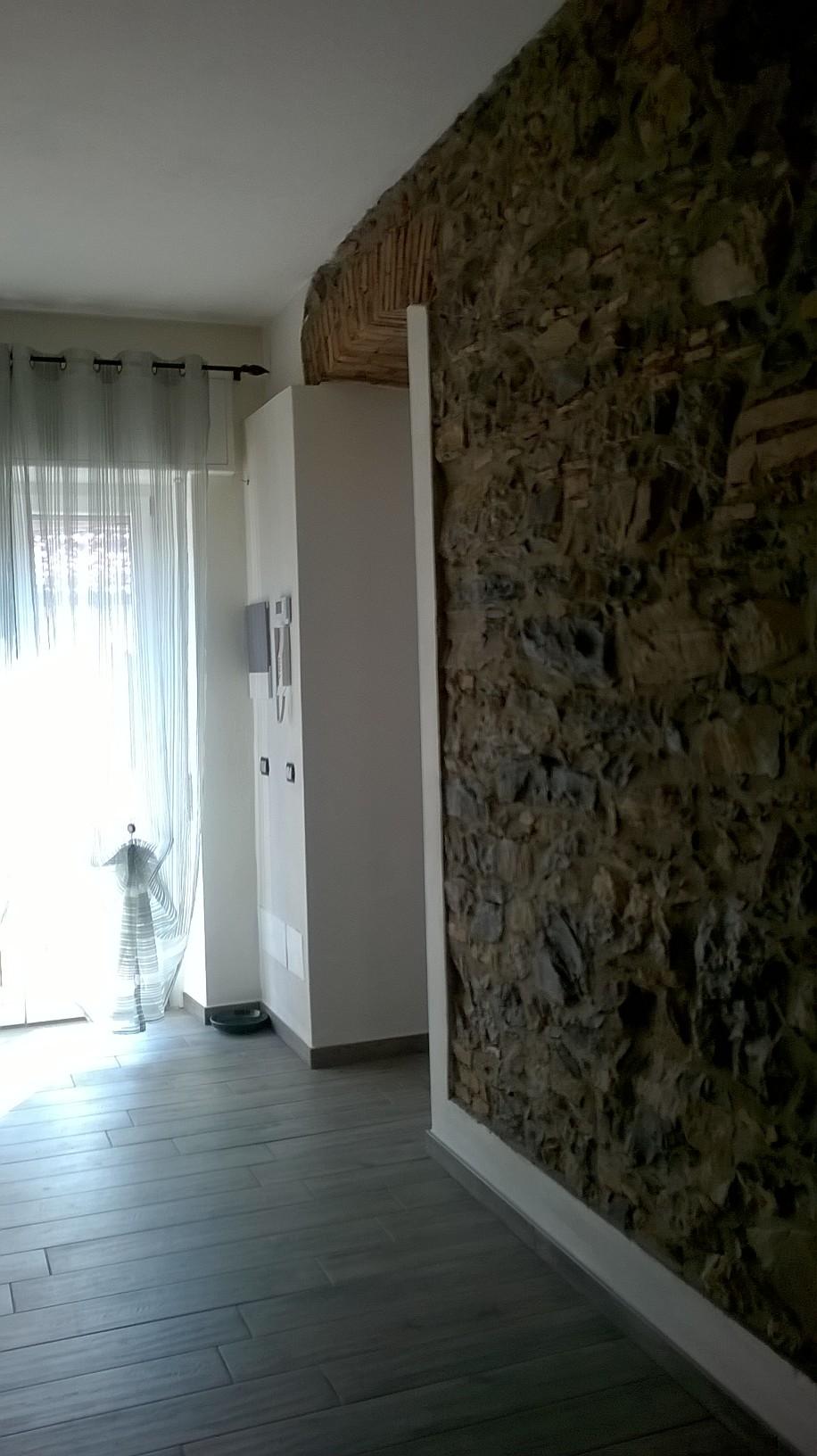 Villa in vendita a Castelmarte, 9 locali, prezzo € 330.000 | Cambio Casa.it