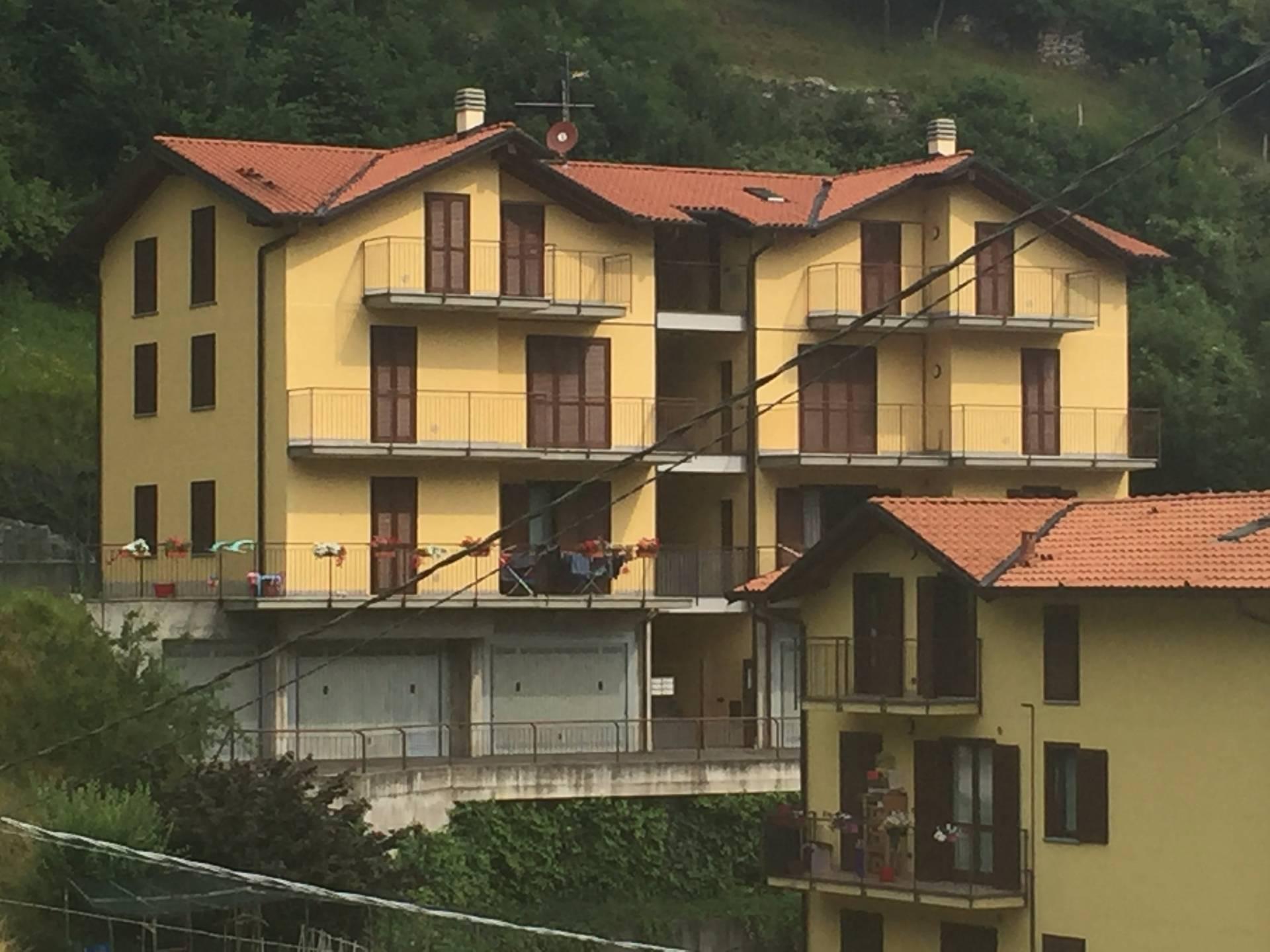 Appartamento in affitto a Asso, 4 locali, prezzo € 95.000 | Cambio Casa.it
