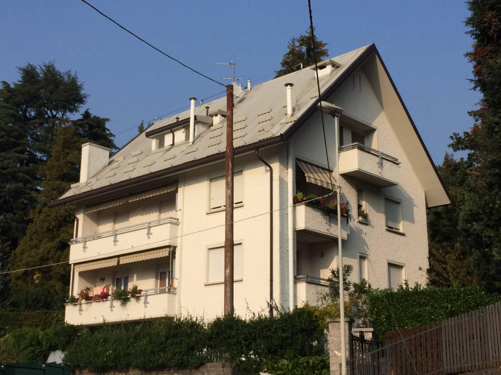 Appartamento in vendita a Canzo, 3 locali, prezzo € 130.000 | CambioCasa.it
