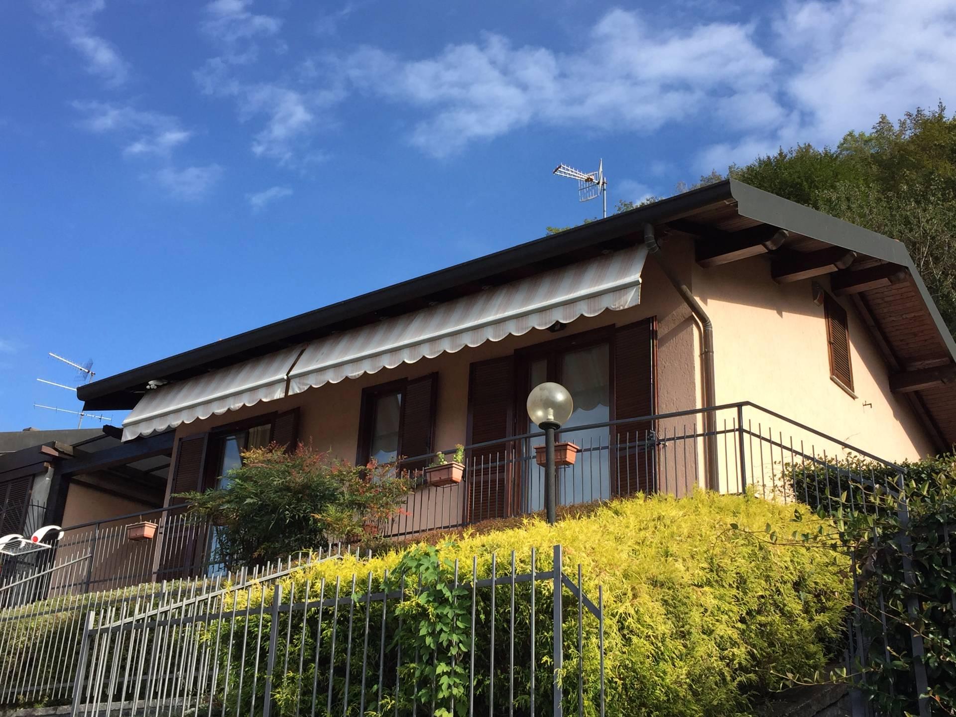Villa in affitto a Canzo, 6 locali, prezzo € 270.000 | Cambio Casa.it