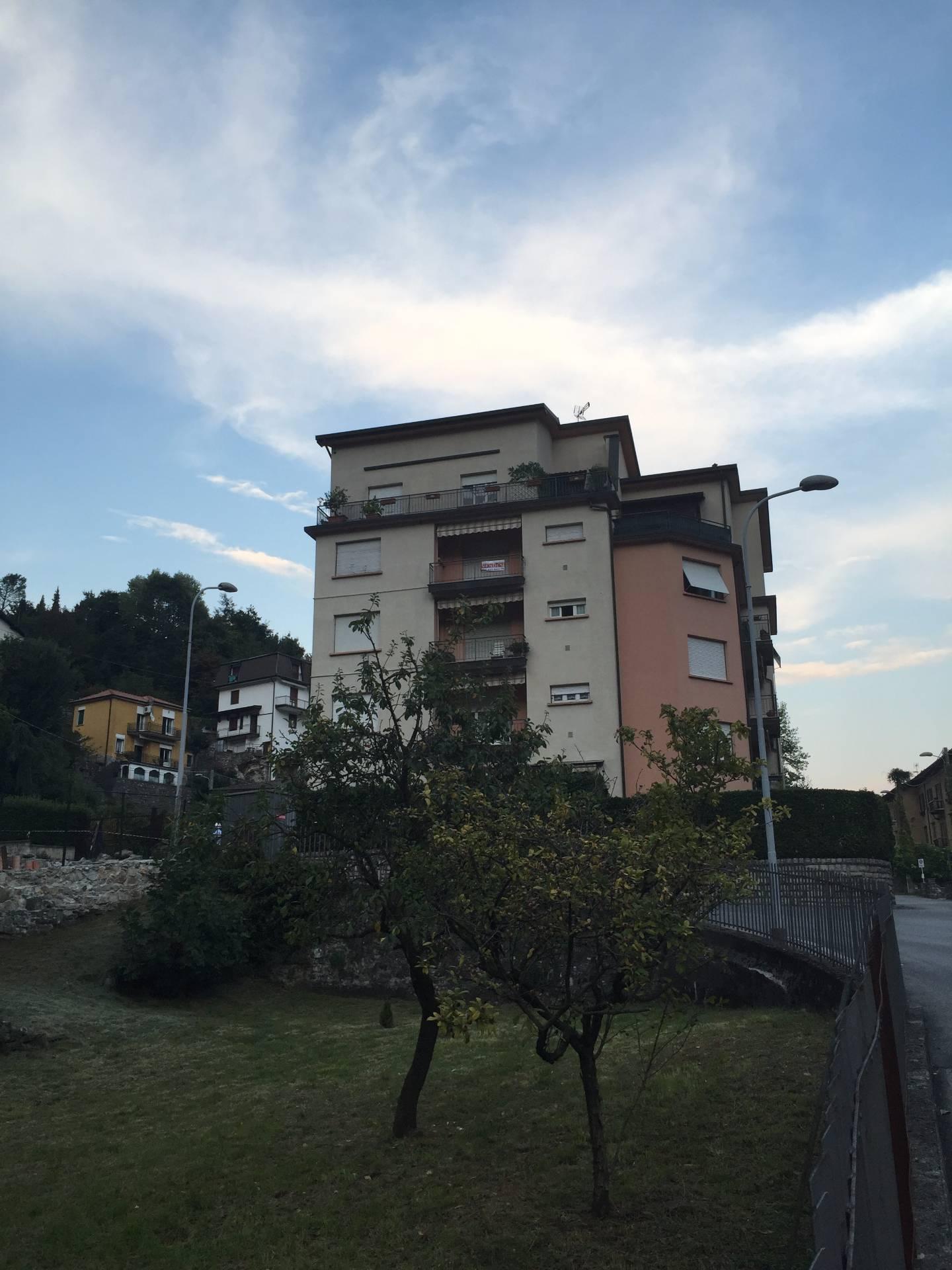 Appartamento in vendita a Caslino d'Erba, 5 locali, prezzo € 80.000 | Cambio Casa.it