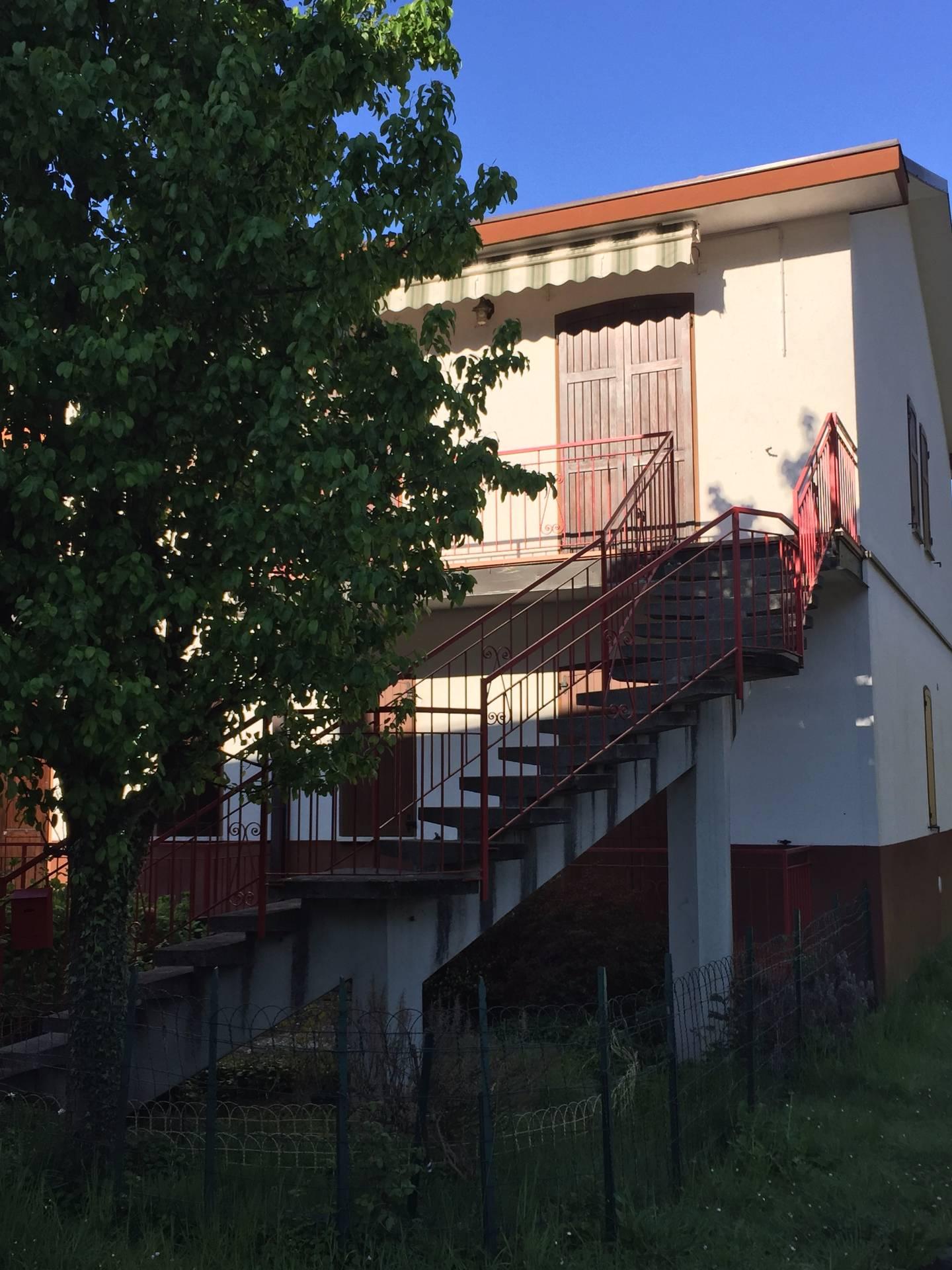 Appartamento in affitto a Canzo, 3 locali, prezzo € 90.000 | Cambio Casa.it