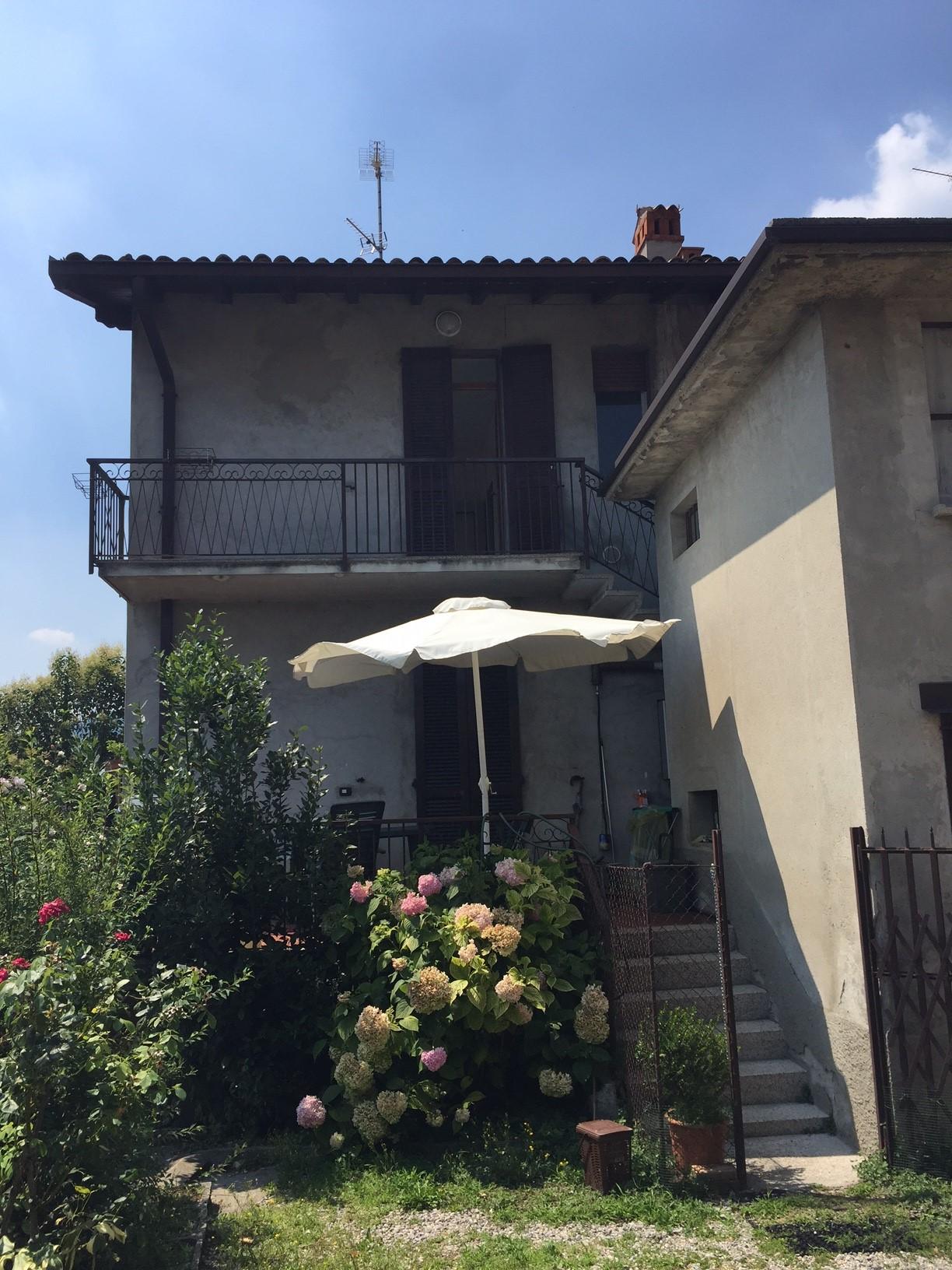Appartamento in affitto a Erba, 2 locali, prezzo € 85.000 | CambioCasa.it