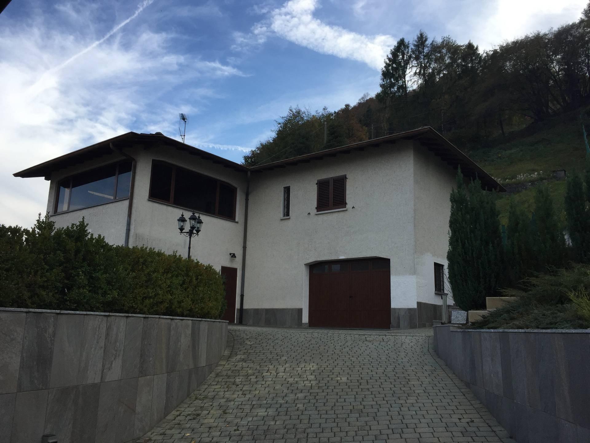 Villa in vendita a Civenna, 9 locali, prezzo € 600.000 | CambioCasa.it