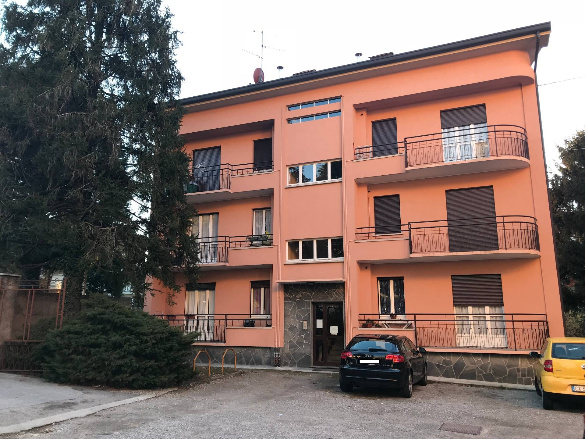 Appartamento in affitto a Canzo, 2 locali, prezzo € 320 | CambioCasa.it
