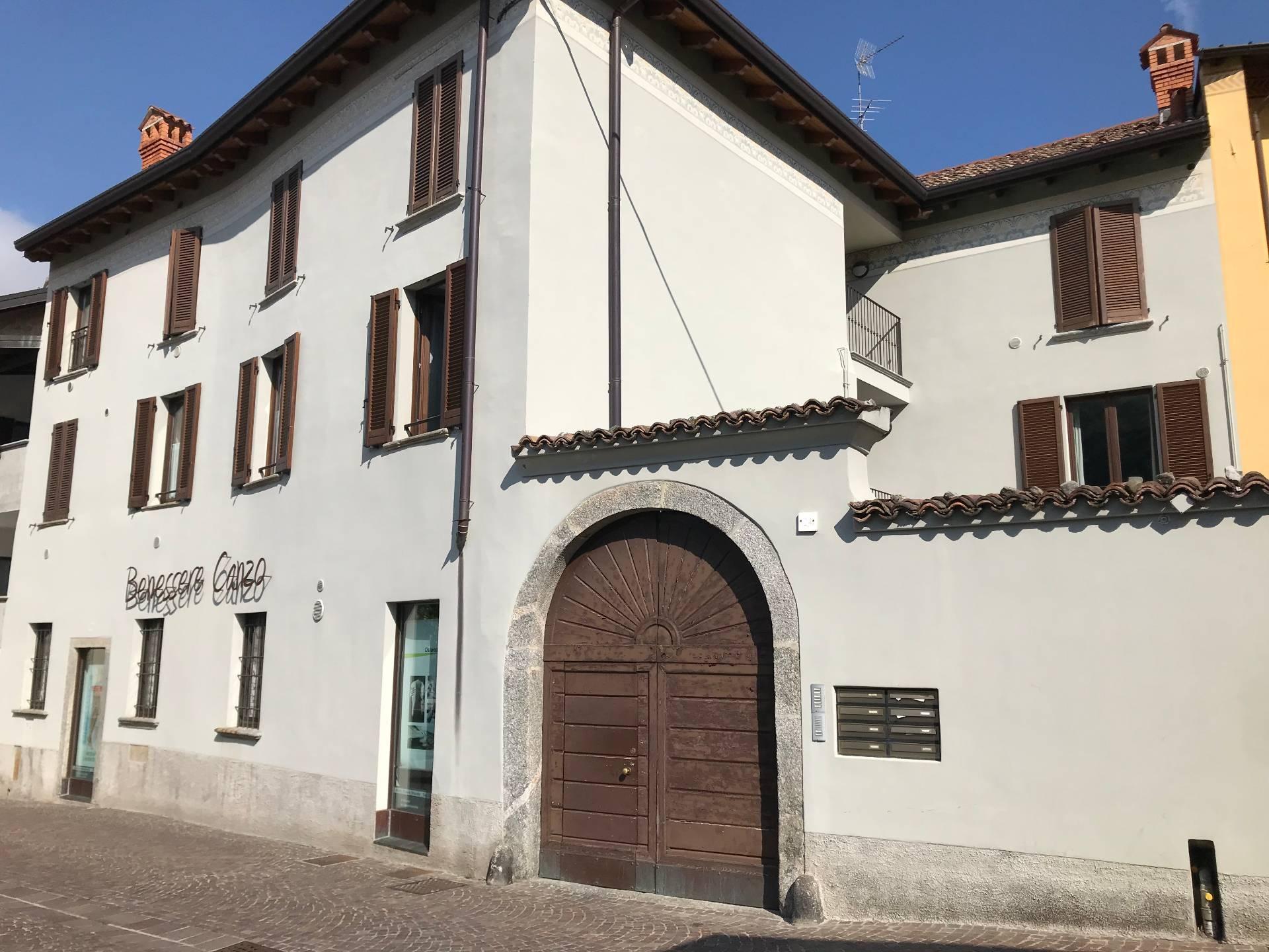 Appartamento in affitto a Canzo, 2 locali, prezzo € 550   CambioCasa.it