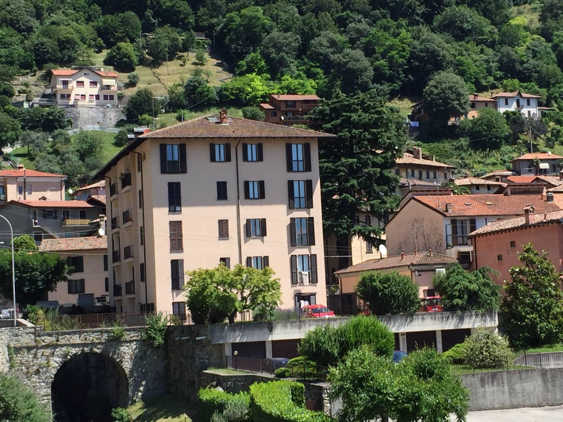 Appartamento in vendita a Caslino d'Erba, 3 locali, prezzo € 80.000   CambioCasa.it