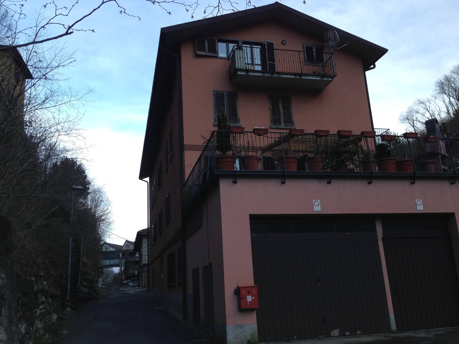 Appartamento in vendita a Caslino d'Erba, 2 locali, prezzo € 80.000 | CambioCasa.it
