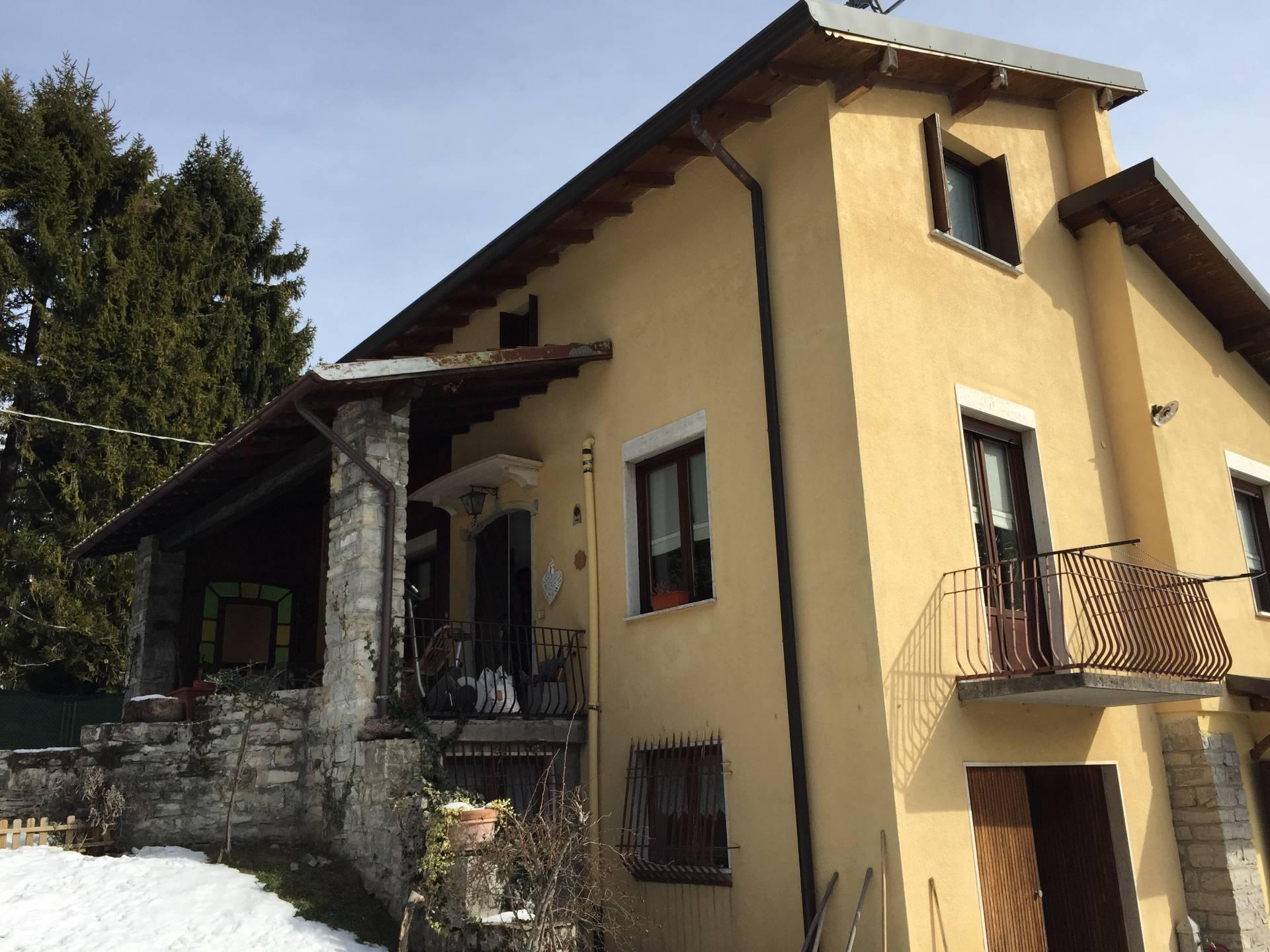 Vendita Villa unifamiliare Casa/Villa Magreglio 34077