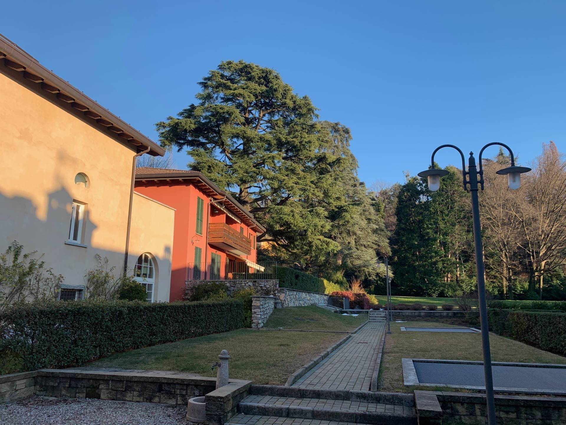 Vendita 5 Locali Appartamento Longone al Segrino 258904