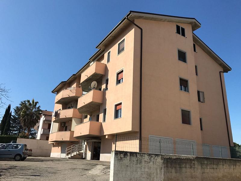 Appartamento in vendita a Spoltore, 3 locali, zona Località: santateresa, prezzo € 78.000 | Cambio Casa.it