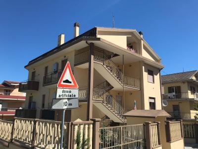 Appartamento con garage in Vendita a Cappelle sul Tavo
