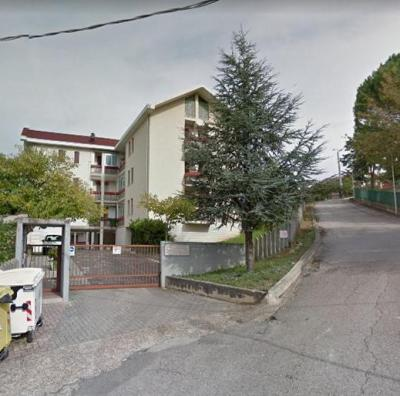 Appartamento con posto auto in Vendita a Chieti