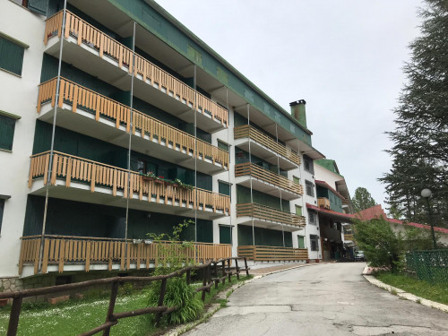 Appartamento con garage in Vendita a Pescasseroli