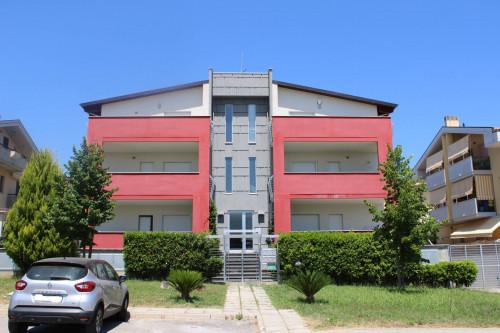 Appartamento con garage in Vendita a Città Sant'Angelo