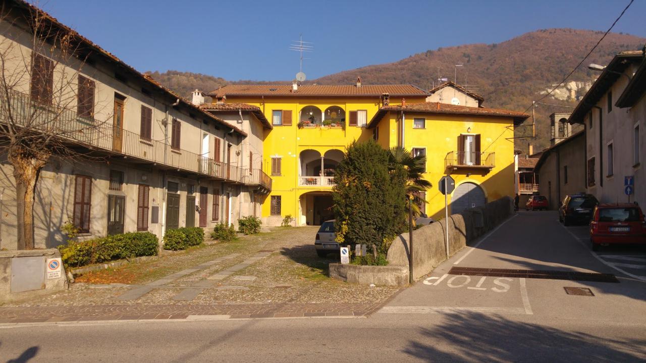 Bilocale Pusiano Via Mazzini 1