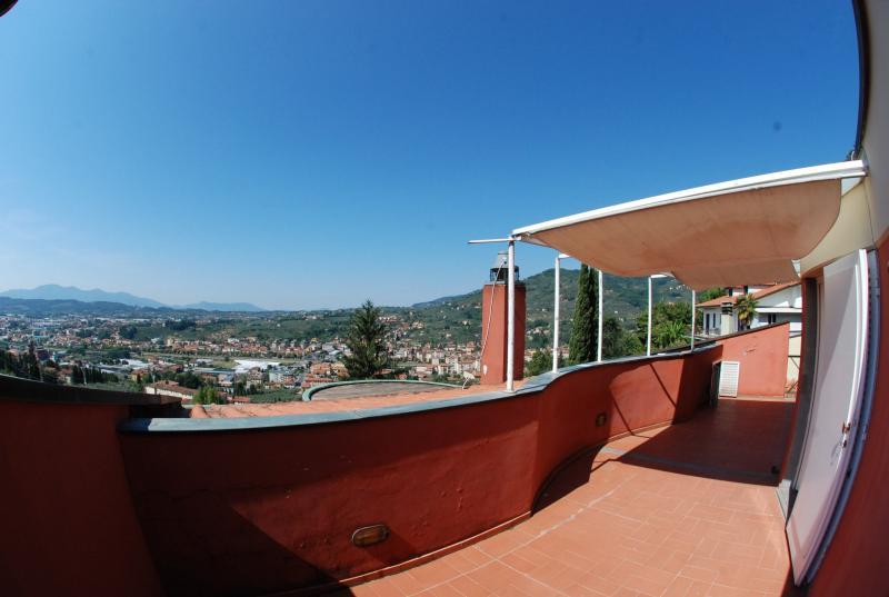 Villa in vendita a Pescia, 7 locali, prezzo € 480.000 | Cambio Casa.it