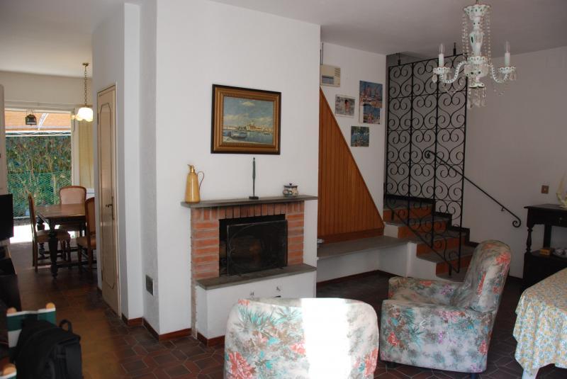 Soluzione Indipendente in affitto a Pisa, 6 locali, zona Zona: Tirrenia, Trattative riservate | Cambio Casa.it