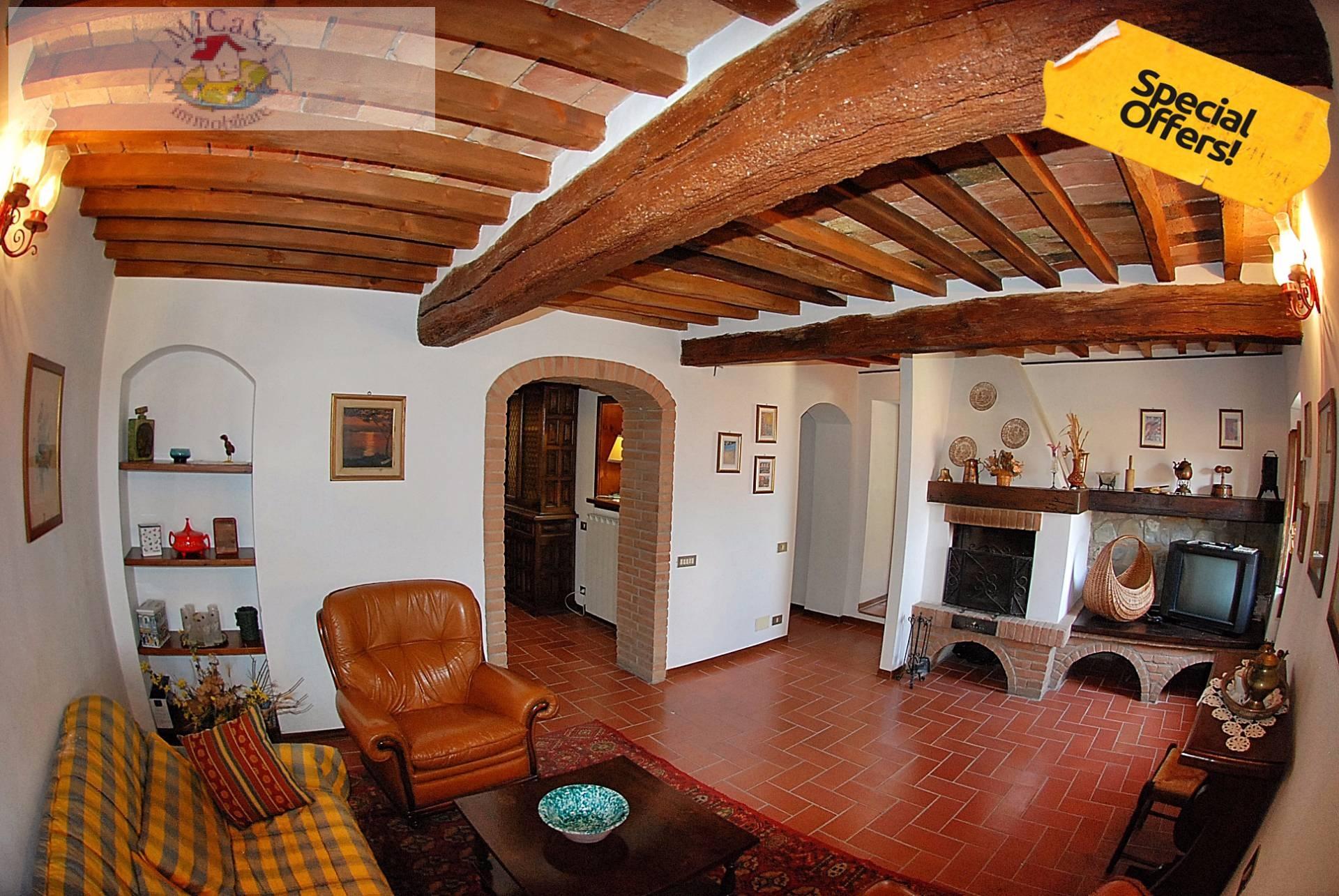 Appartamento in affitto a Lajatico, 4 locali, prezzo € 400 | Cambio Casa.it