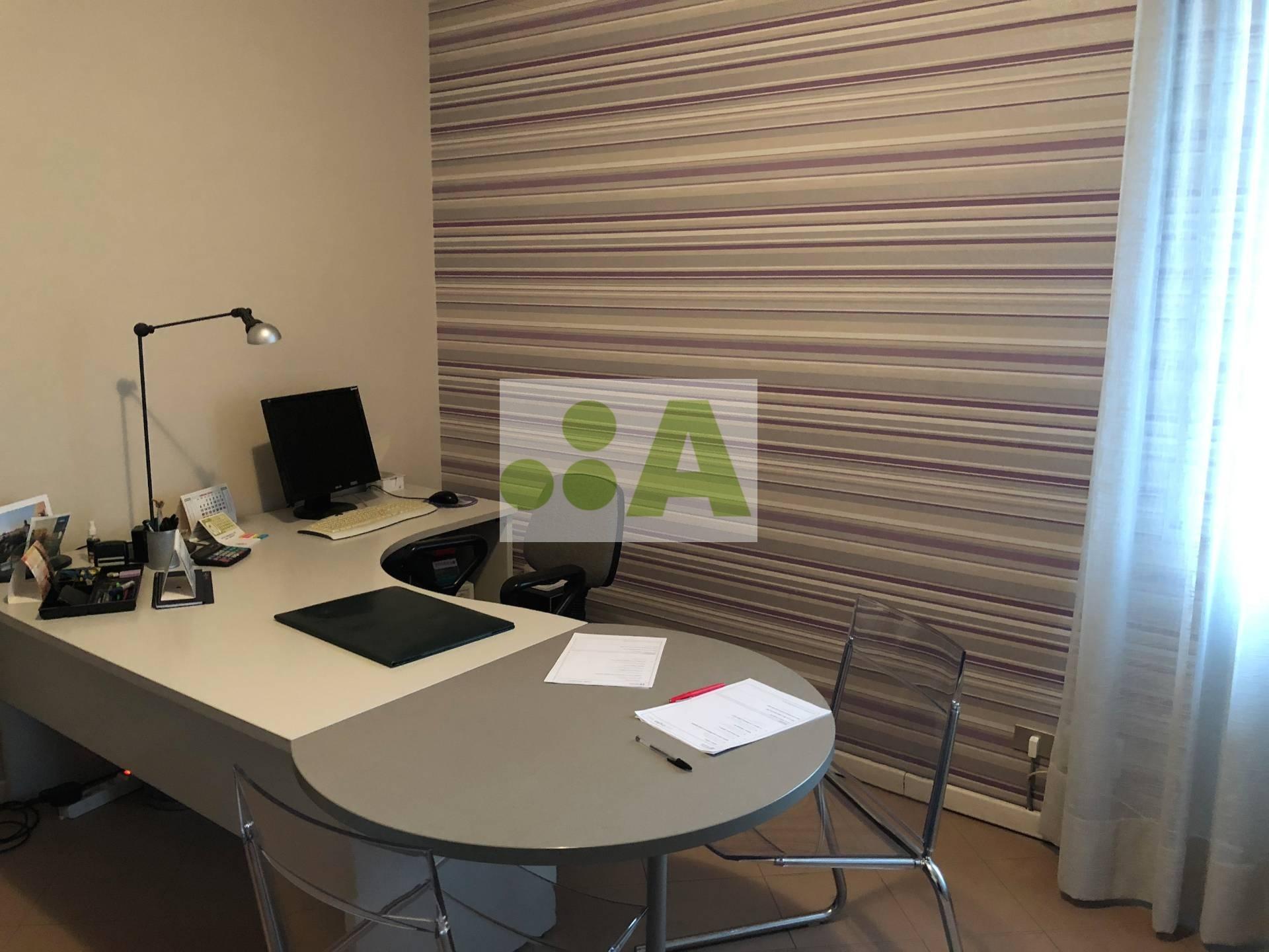 affitto ufficio lucca san concordio contrada  750 euro  100 mq