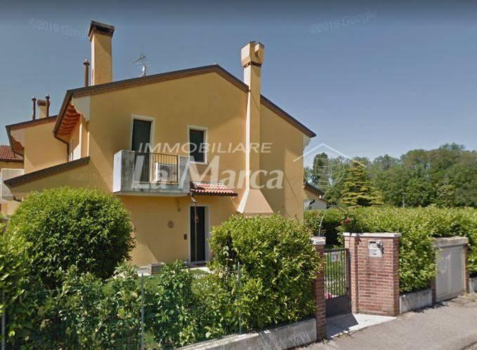 Villa Bifamiliare in vendita a Maserada sul Piave, 5 locali, zona Zona: Varago, prezzo € 225.000 | CambioCasa.it